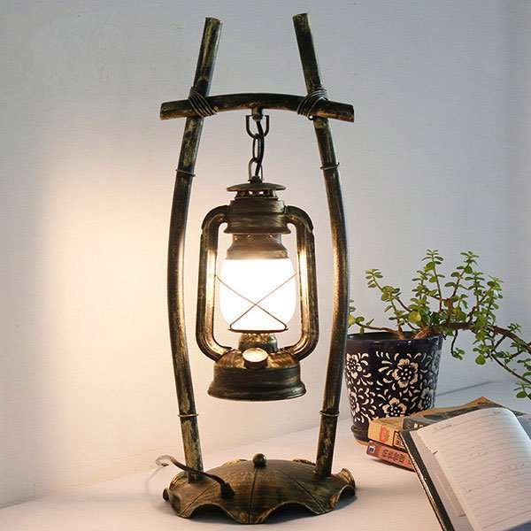 Iron Living Room,Study/ Bedroom Solder Industrial Wind Table Lamp